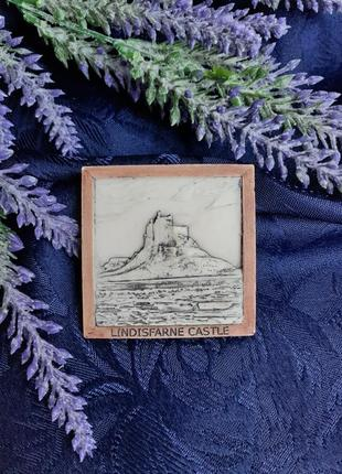 Lindisfarne castle линдисфарн остров англия магнит сувенир барельеф сувенирный