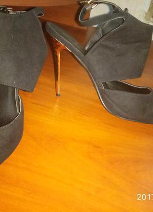 Туфли черные 42 размер!