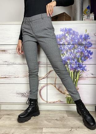 Классические чёрные зауженные брюки 1+1=3