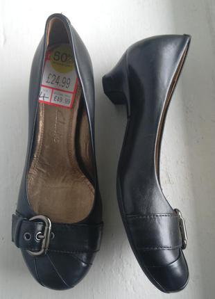 Новые красивые кожаные туфли, балетки clarks, 4d, классика