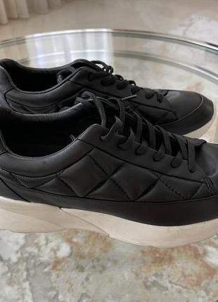 Стильные кроссовки massimo dutti