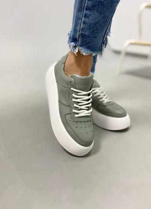 Кожаные кеды, кожаные кроссовки