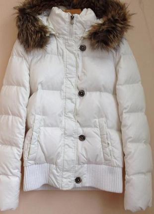Очень красивая зимняя пуховая куртка белая o'stin курточка