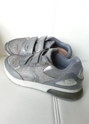 Кожаные кроссовки- туфли geox с мигалками