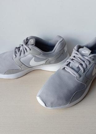 Легенькі кросівки nike