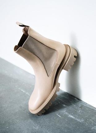 Кожаные ботильоны ботинки zara на платформе с эластичными