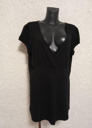Черная силуэтная футболка