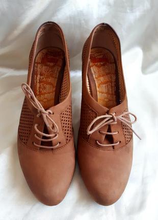 Кожаные туфли camper