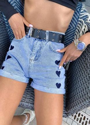 Твои идеальные джинсовые шорты с вышивкой сердечки