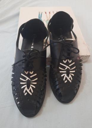 Мега модные сандали  босоножки в мужском стиле с закрытым носком индия delna&ozzy