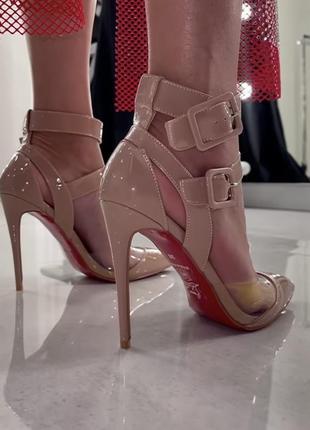 Продам новые туфли лодочки лабутены!недорого