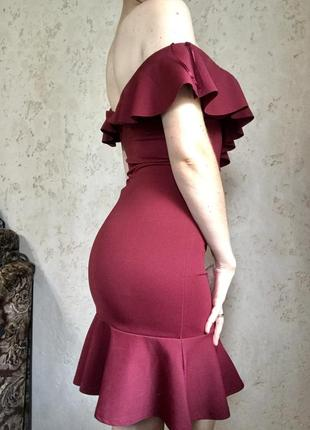 Платье мини с открытыми плечами  рыбка русалка с оборками с воланами с рюшами бардовое красное