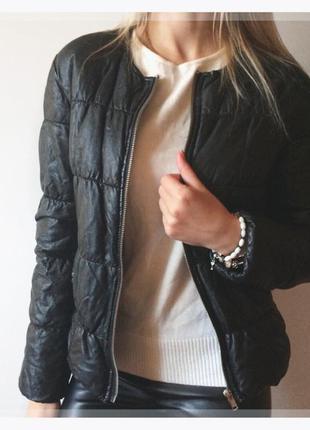 Чорна куртка h&m