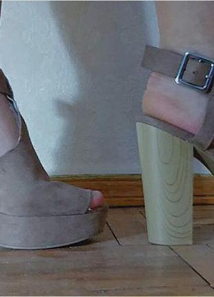 Босоножки - туфли divided h&m замшевые, модные