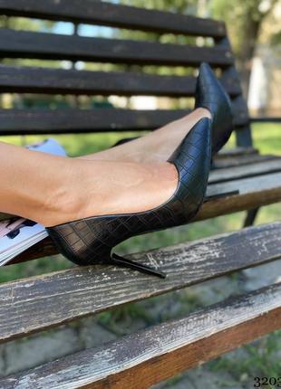 Лодочки чёрные на шпильке туфли женские