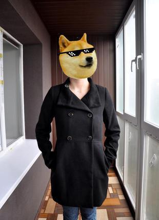 Симпатичное пальто pull&bear