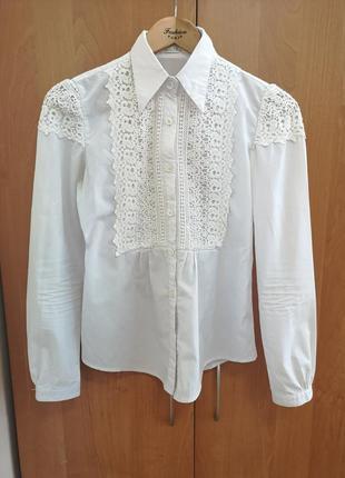 Школьная нарядная блузка с кружевом