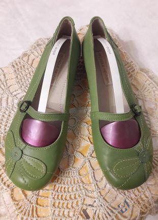 Зеленые балетки