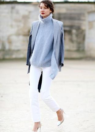 Теплый свитер с горлом (28% шерсть), романтика зимних вечеров для вас.