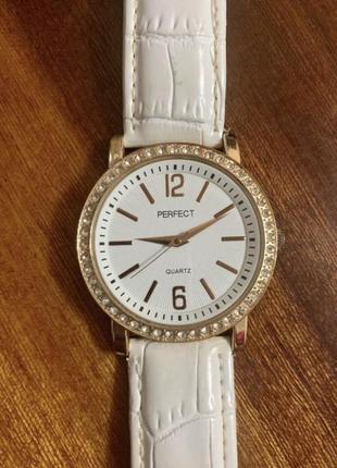 Женские наручные часы perfect