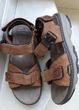 Кожаные сандалии clarks,43 размер, камбоджа