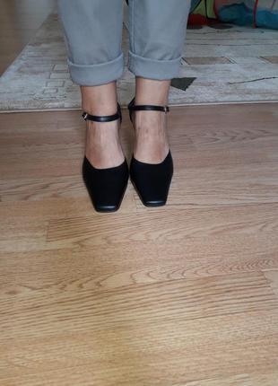 Новые босоножки /стильный квадратный носок