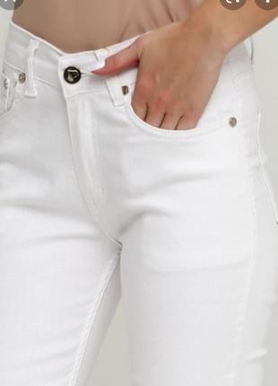 Белые летние джинсы miss etam.
