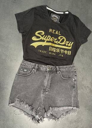 Очень стильные шорты syperdry