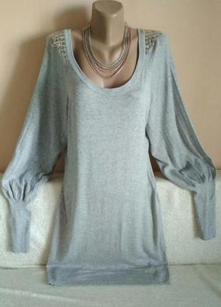 Стильное платье туника с заклепками