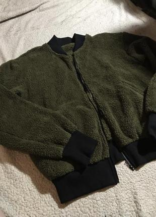 Бомбер мягкий меховой зелёный