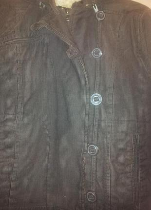 Вельветовая куртка на меху с капюшоном р. 48