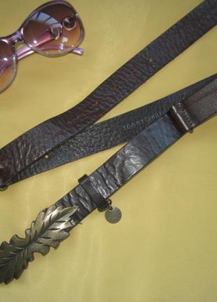 Брендовый кожаный стильнючий пояс ремень tommy hilfiger,отличное состояние