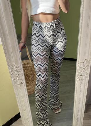 Очень красивые брюки bershka
