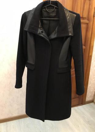 Осеннее пальто zara, классического кроя