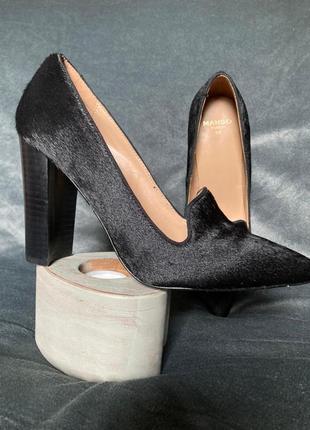 Трендовые туфли лоферы из меховой кожи на устойчивом каблуке mango