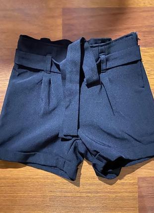 Школьные шорты