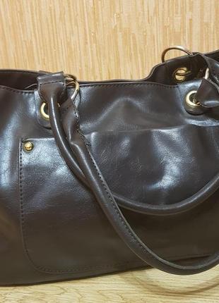 Фирменная , кожаная сумка
