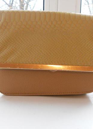Маленькая стильная сумка клатч с длинной ручкой atmosphere