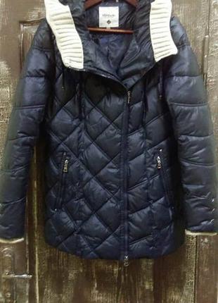 Зимняя куртка с капюшоном mishele