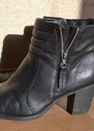 Ботинки ботильоны на каблуке черные кожаные