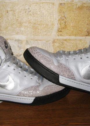 Стильні кросівки nike з натуральної шкіри