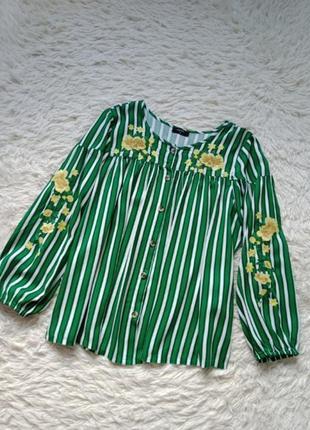 Блуза-вышиванка.