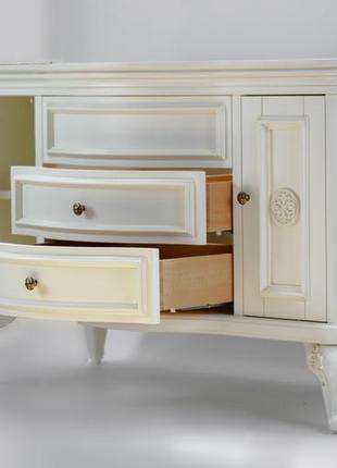 Белая деревянная тумба под умывальник для ванной комнаты премиум класса.