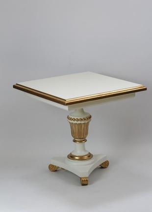 Кофейный столик белого цвета в гостиную, спальную комнату.