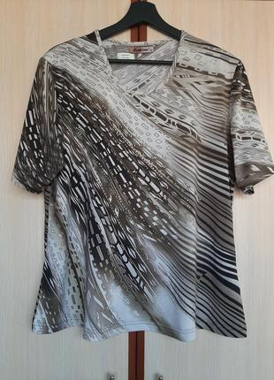 Оригинальная блуза с интерсной расцветкой вискоза италия