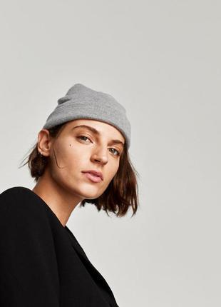 Zara  мягкая шапка-бини
