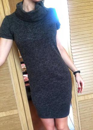 Тёплое платье с коротким рукавом