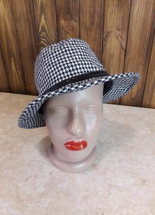 Стильная теплая шляпа шляпка гусиная лапка с ремешком