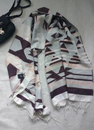 Шикарный большой теплый шарф плед в геометрический принт