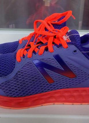Спортивные кроссовки new balance.